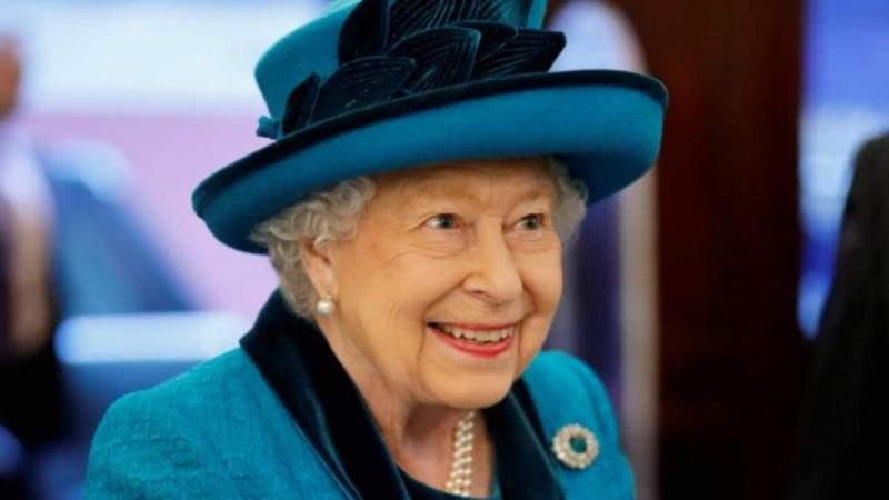 Βασίλισσα Ελισάβετ: Απέκτησε το 10ο δισέγγονο της - Γέννησε η Zara Tindall