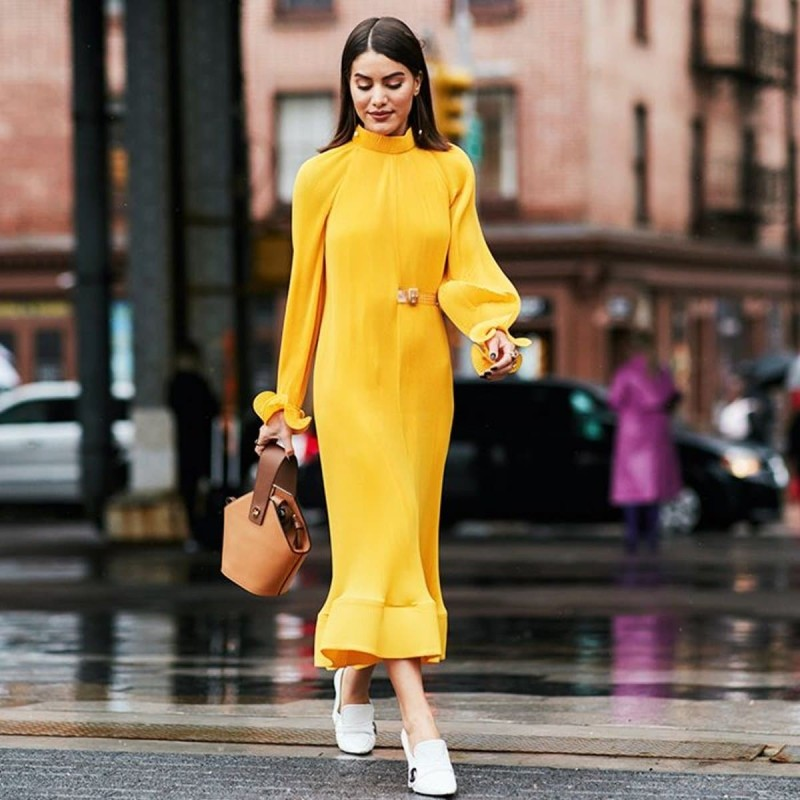 street style κίτρινο φόρεμα