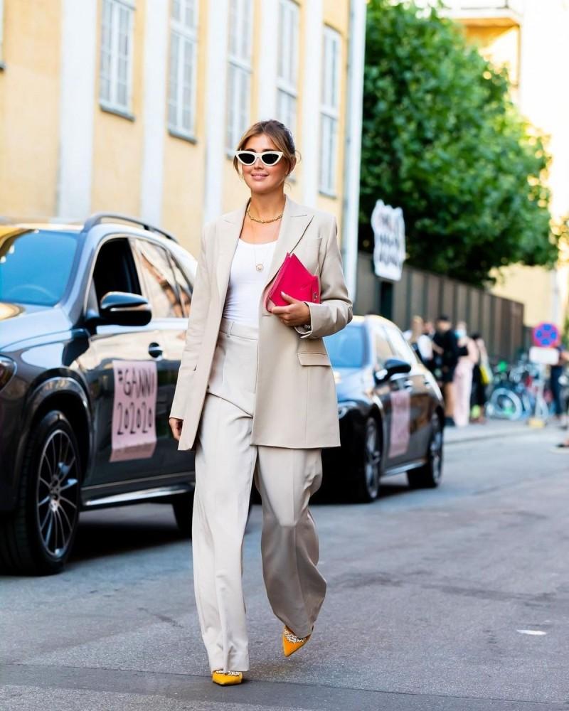 wide pants με σακάκι