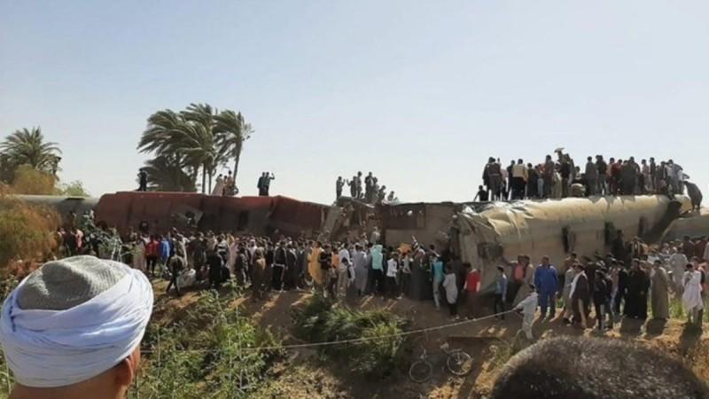 Τραγωδία στην Αίγυπτο: 11 νεκροί και 100 τραυματίες από εκτροχιασμό τρένου