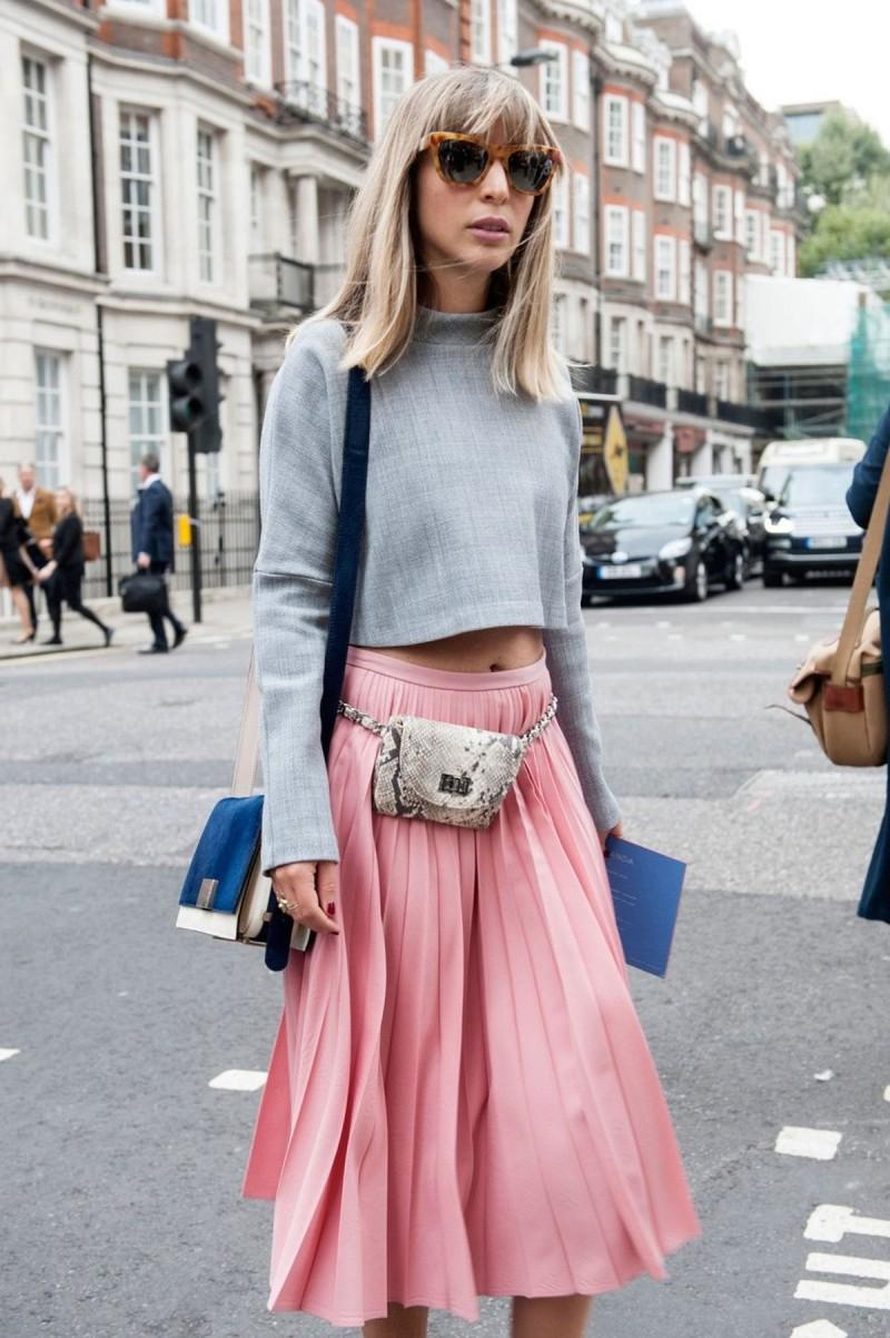 πλισέ φούστα με τσαντάκι μέσης