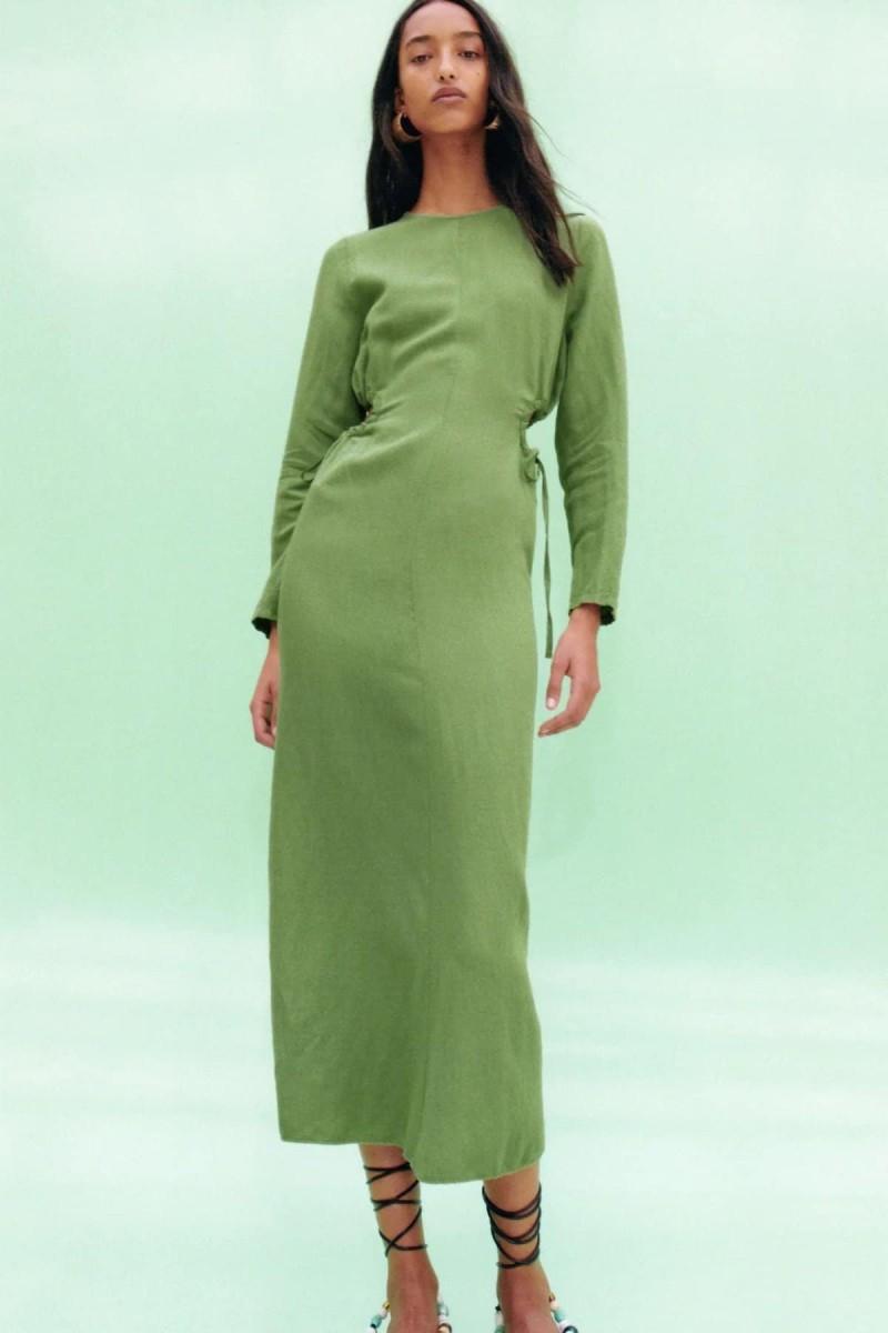 φόρεμα με cut-outs