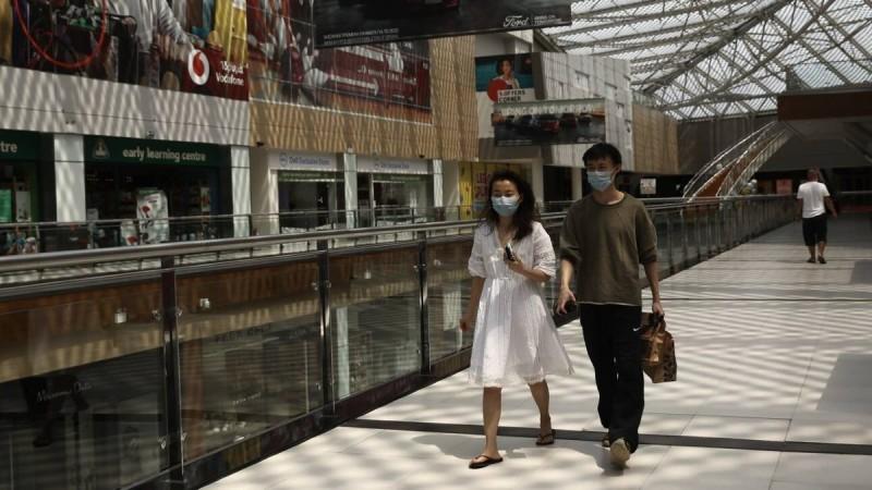 Lockdown: «Όχι» των λοιμωξιολόγων για το άνοιγμα των εμπορικών κέντρων