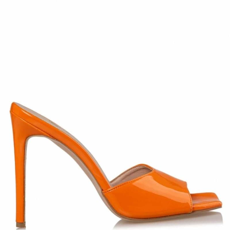 πορτοκαλί mules