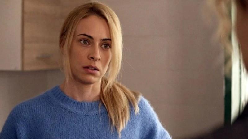Έξαψη: Η Βίκυ το σκάει με τον παραλίγο δολοφόνο της