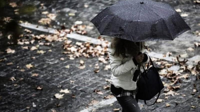Καιρός: Καταιγίδες και πτώση της θερμοκρασίας το Σαββατοκύριακο
