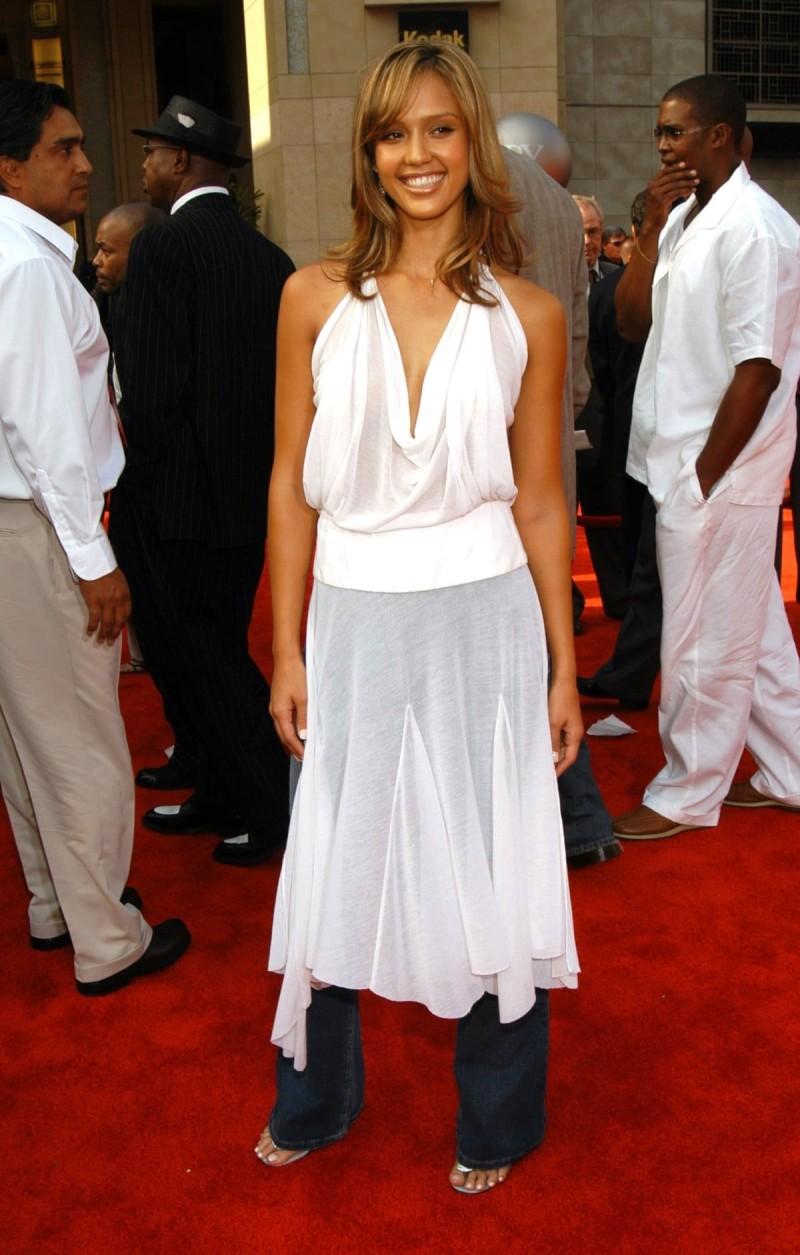 σατέν φόρεμα με παντελόνι