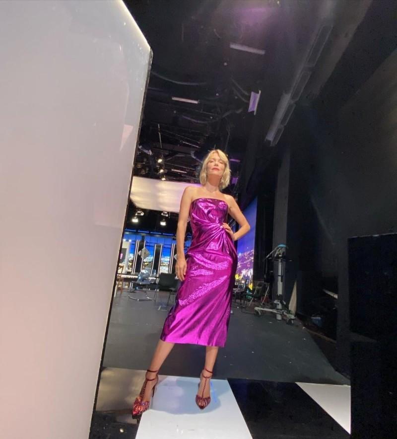 Βίκυ Καγιά φούξια φόρεμα