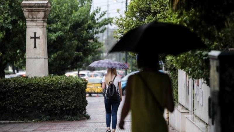 Καιρός 7/4: Πτώση της θερμοκρασίας και τοπικές βροχές