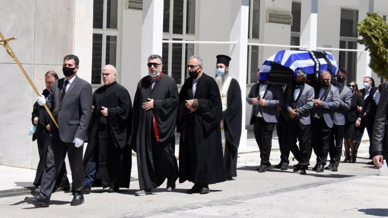 Θλίψη στην κηδεία του στιχουργού, Σπύρου Γιατρά