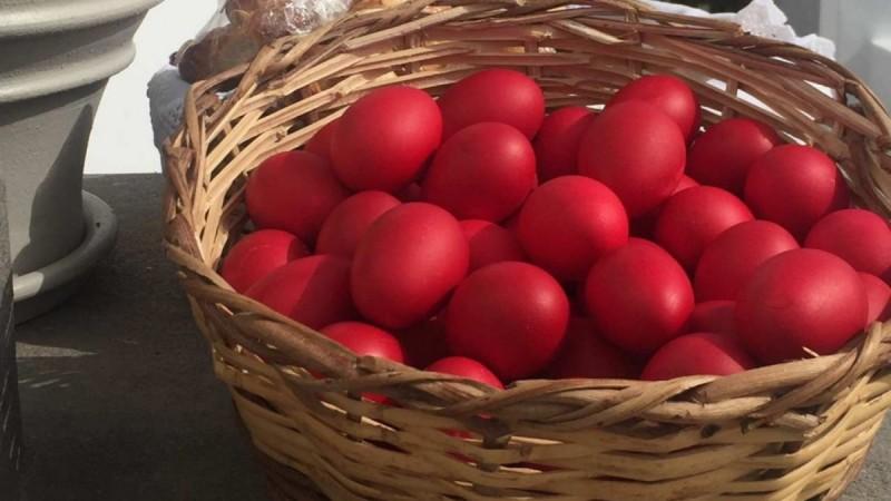 Πάσχα: Μην βάφετε φρέσκα αυγά! Τα σούπερ μυστικά της Αργυρώς Μπαρμπαρίγου