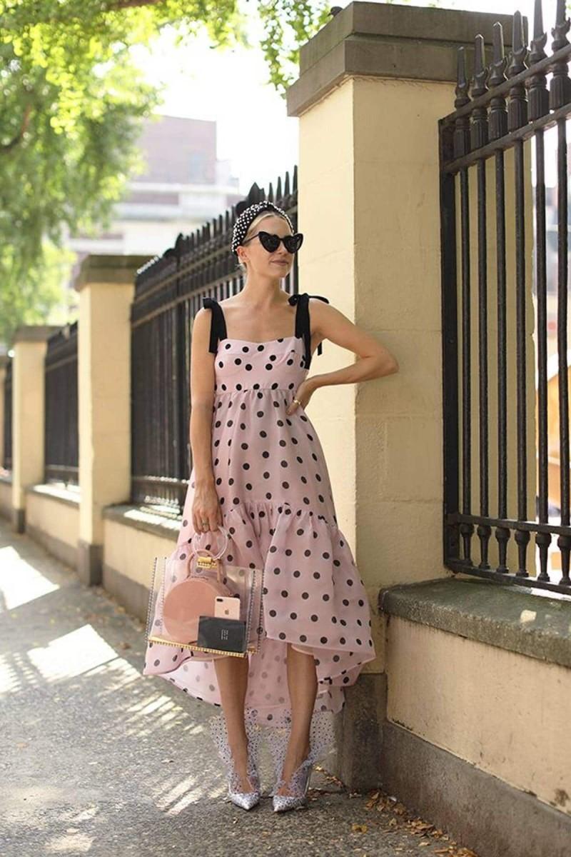 πουαντιγέ φόρεμα street style