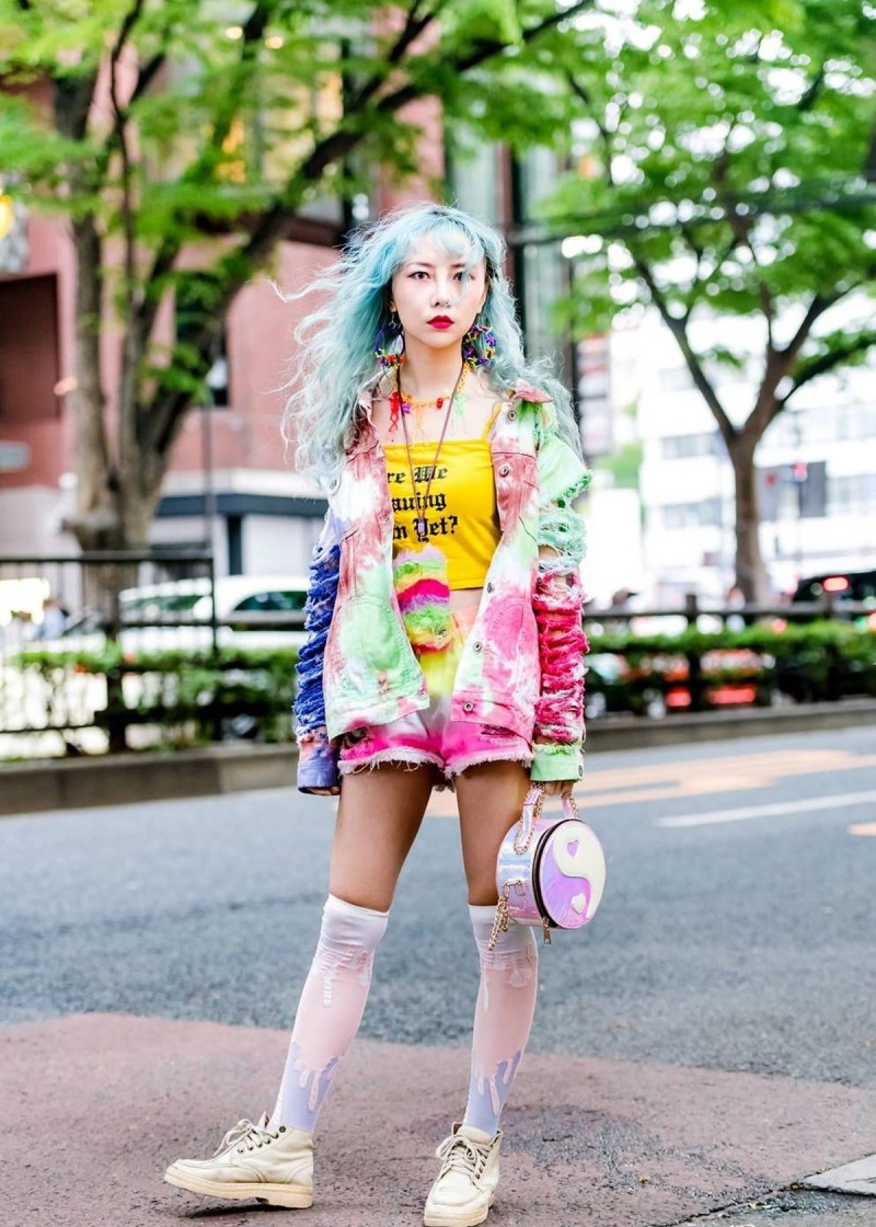 color blocking tie-dye look