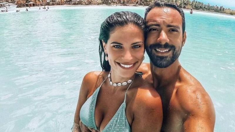 Σάκης Τανιμανίδης: Συγκρίνει την κοιλιά του με της Χριστίνας Μπόμπα λίγο πριν τον ερχομό των διδύμων