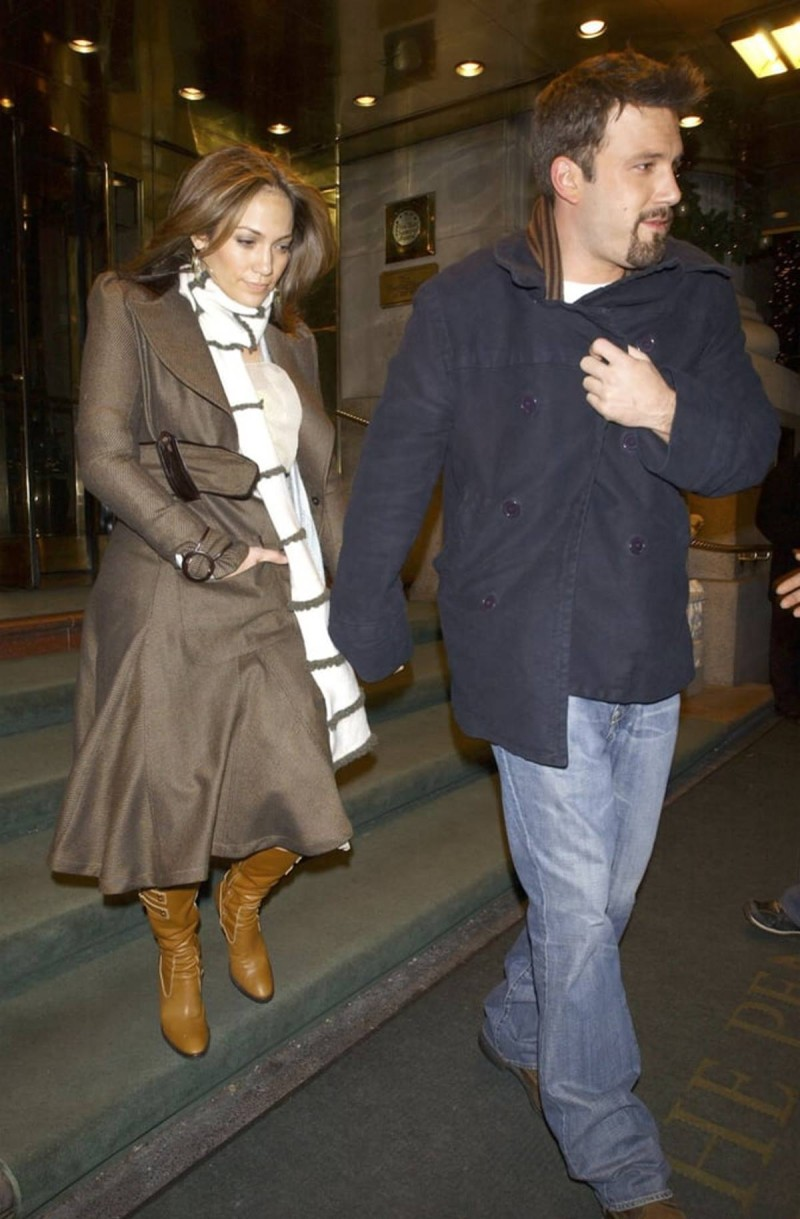 Ben & Jennifer με πανωφόρι