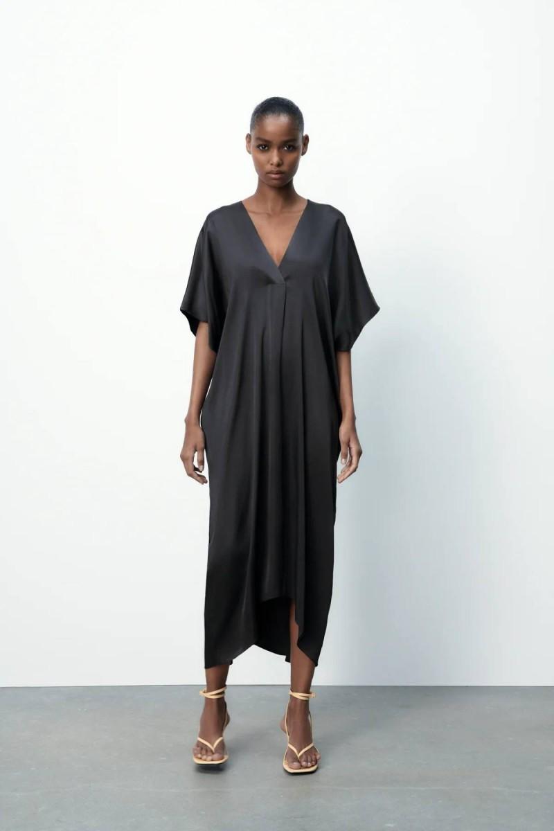 μαύρο φόρεμα με V