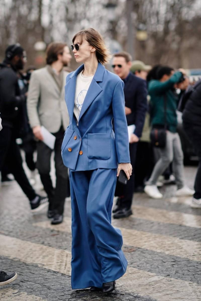 μπλε oversized κοστούμι
