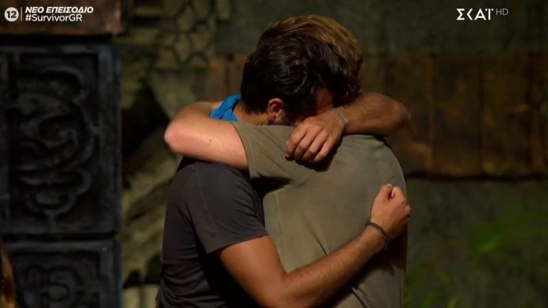 Survivor 4: Τι ψιθύρισε ο Τζέιμς στον Μπάρτζη λίγο πριν αποχωρήσει