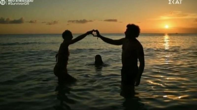 Survivor 4: Το πλάνο που πρόδωσε Ασημακόπουλο και Καρολίνα σε τρυφερές στιγμές στην παραλία