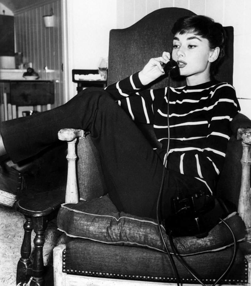 Audrey Hepburn με μαρινιέρα