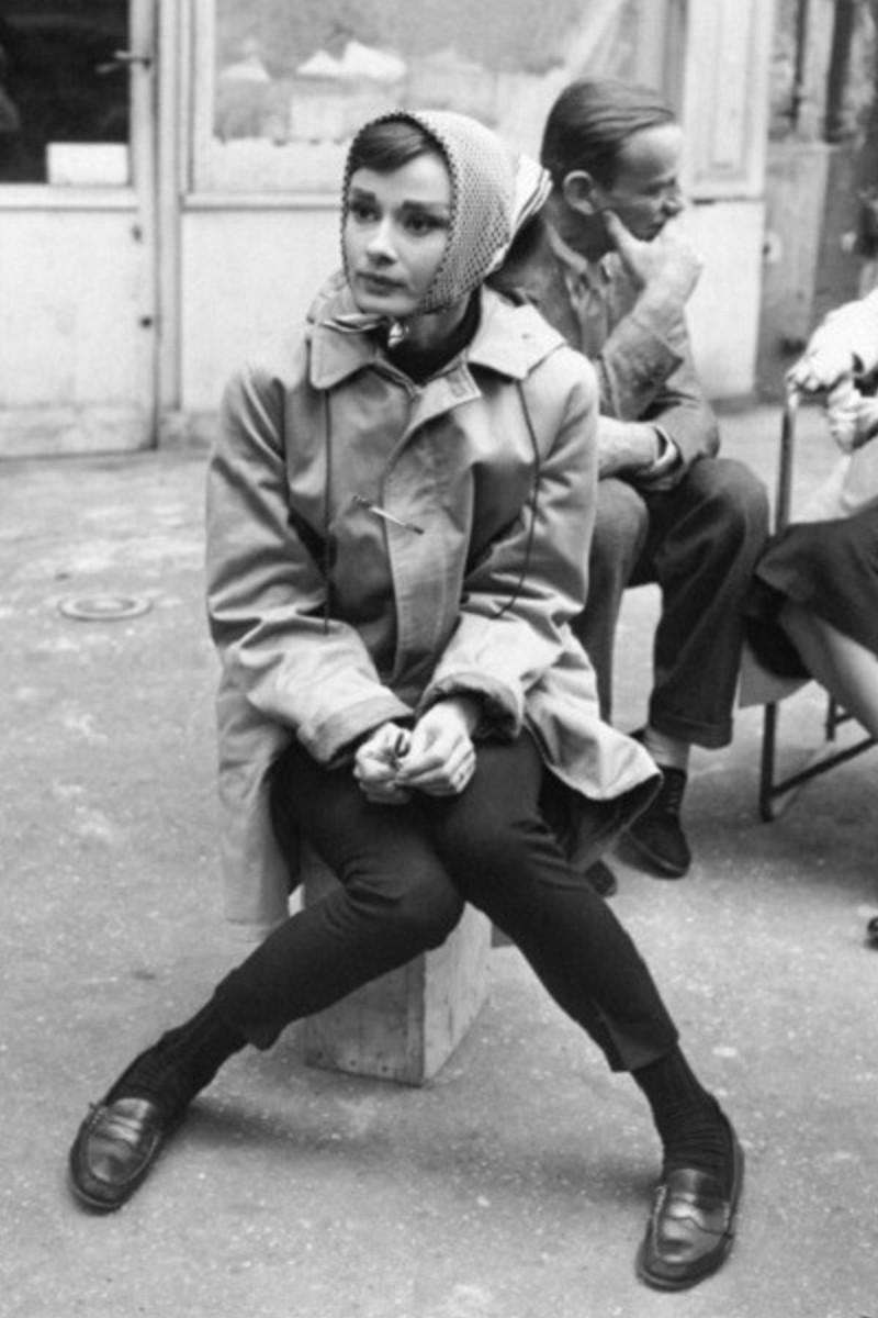 Audrey Hepburn με μαντίλι