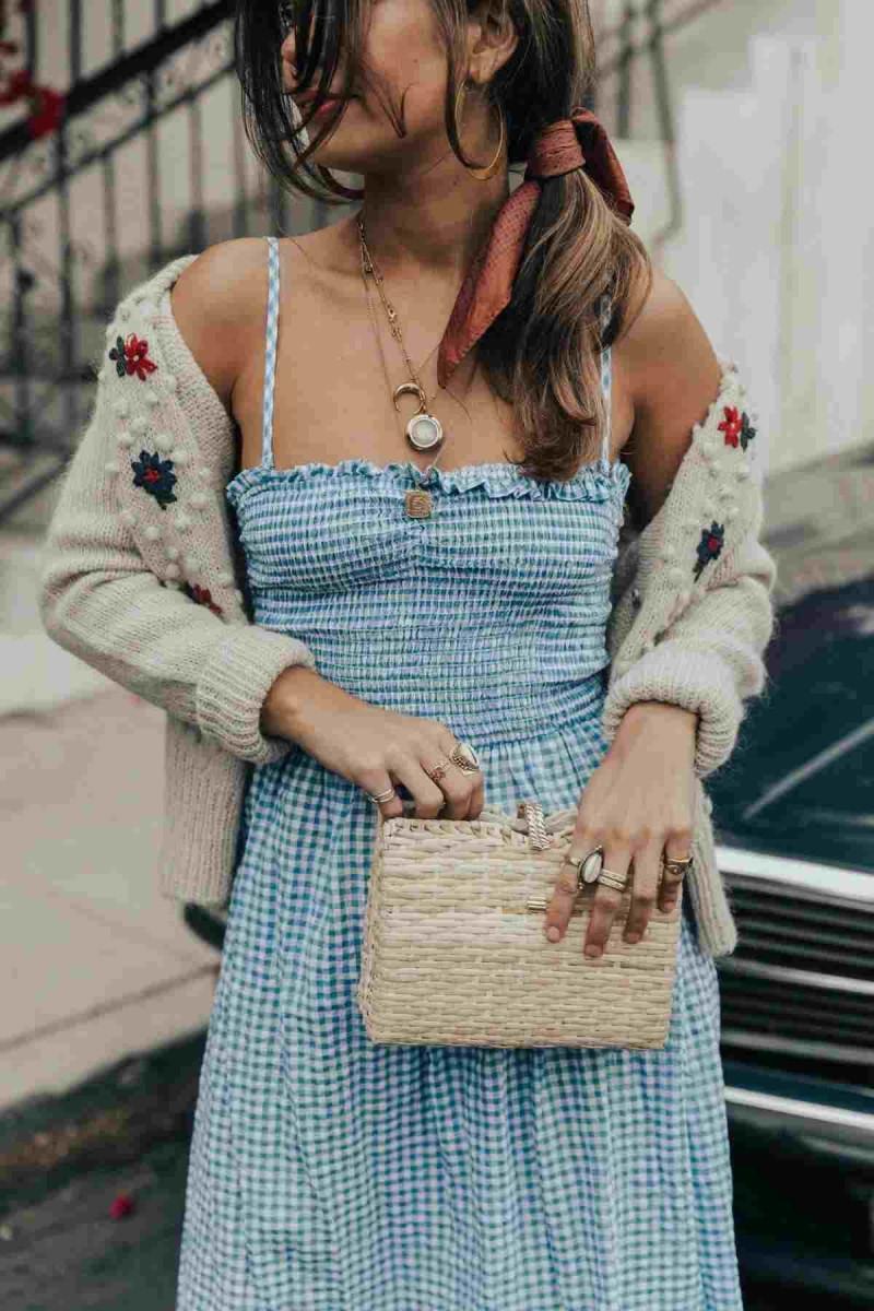 φόρεμα με λάστιχο