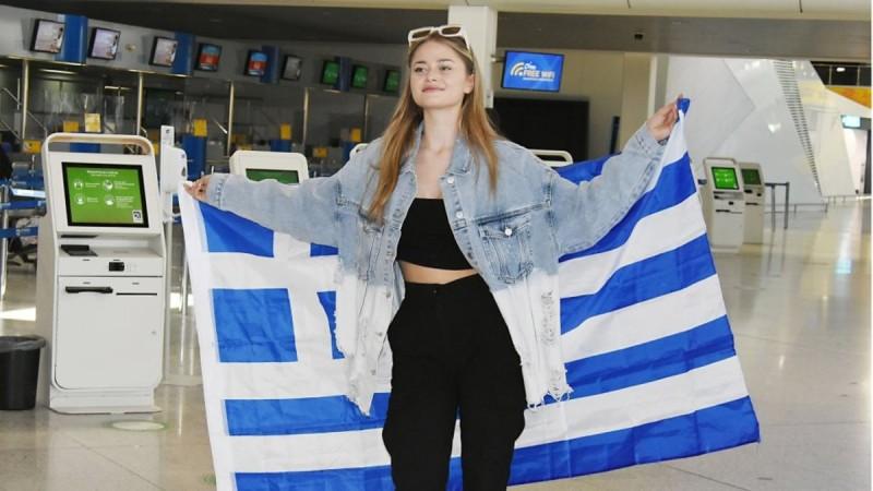 Στεφανία Λυμπερακάκη: «Αγαπώ τους Έλληνες, τους θέλω μαζί μου»