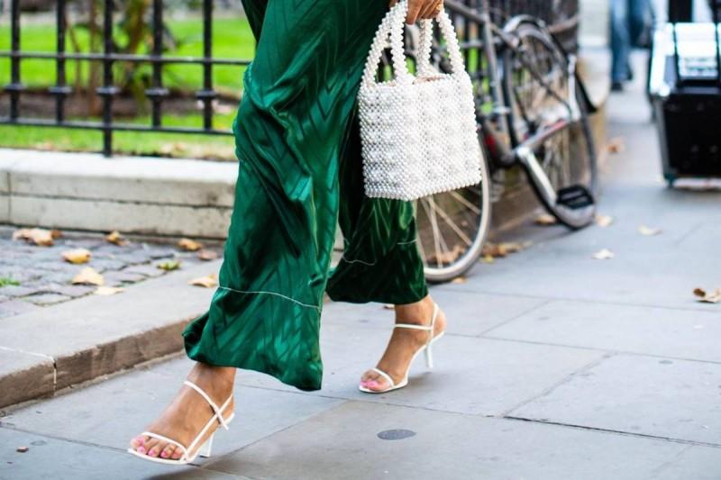 strappy πέδιλα με φόρεμα