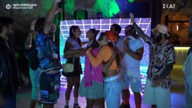 Survivor 4: Ξεσάλωσαν οι Κόκκινοι στην πούντα Κάνα! Χοροί, τραγούδια και ρούχα 90's