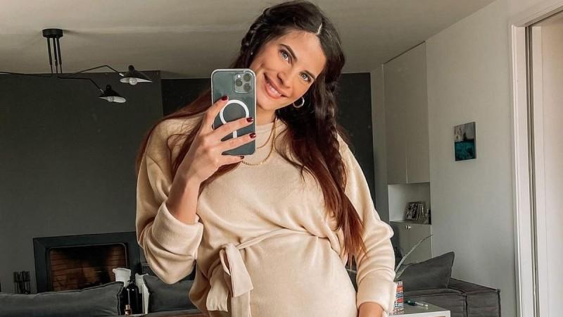 Χριστίνα Μπόμπα: Ποζάρει με μαγιό στον 8ο μήνα της εγκυμοσύνης