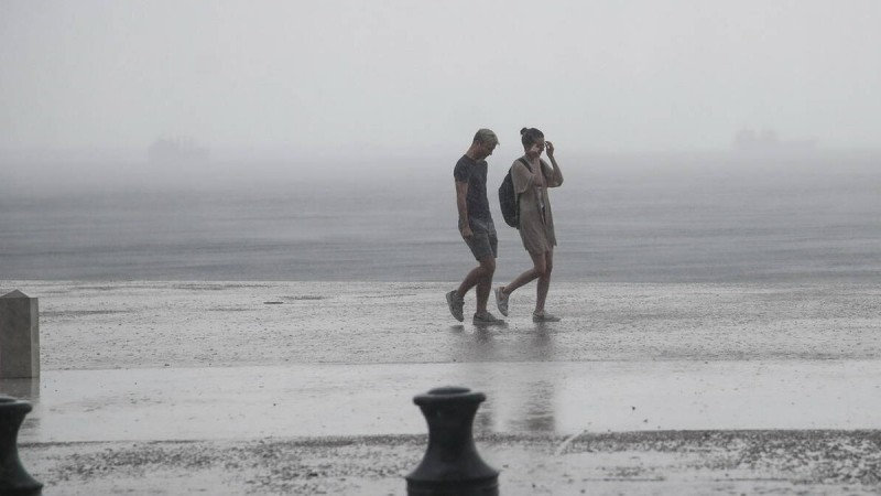 Καιρός: Θα χρειαστείτε ομπρέλα και σήμερα 13/6- Αναλυτικά που θα βρέξει