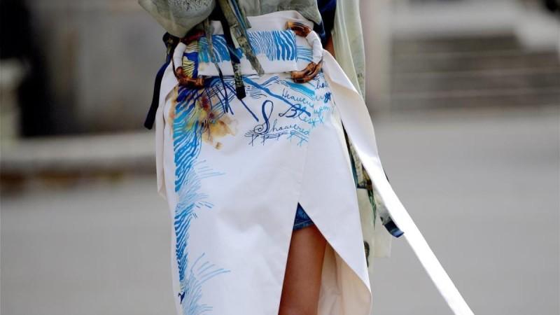 ασύμμετρη φούστα
