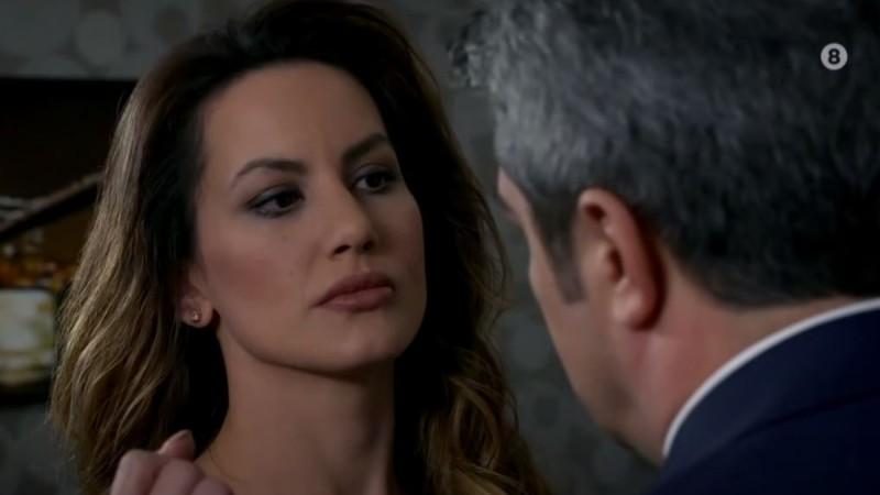 Elif: Ο Ταρίκ χτυπάει άσχημα την Ρανά και χάνει τις αισθήσεις της