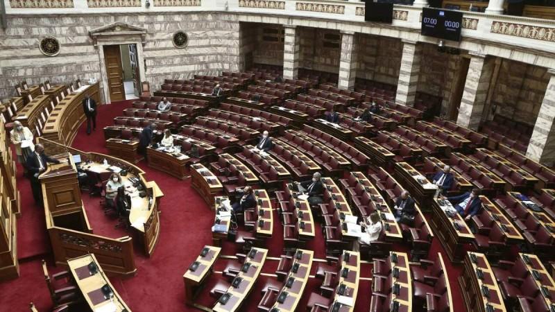 Βουλή: Πέρασε με 158 ψήφους το εργασιακό νομοσχέδιο