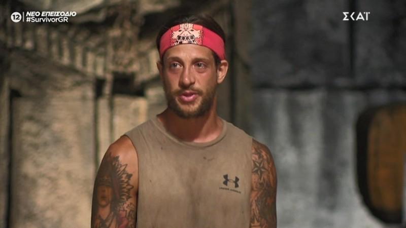 Survivor 4: Πλάνταξε στο κλάμα ο Ηλίας Μπόγδανος στο συμβούλιο