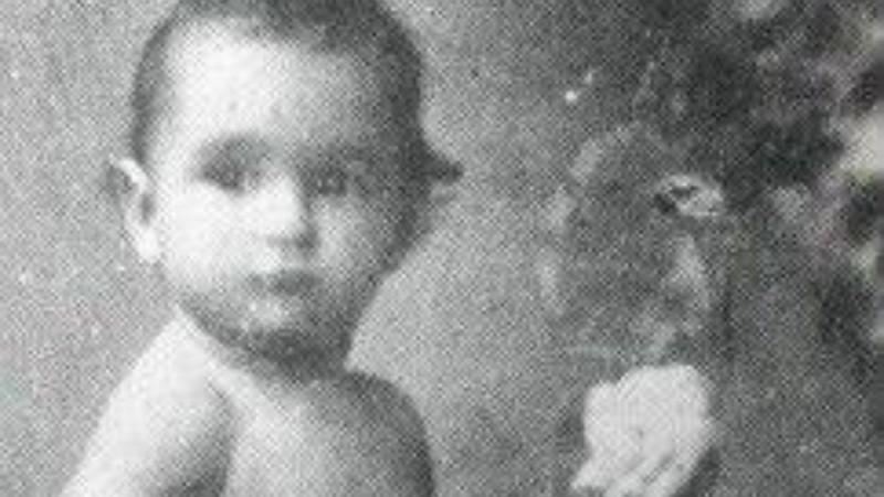 Insta Poll: Ποια σπουδαία ηθοποιός είναι το μωράκι της φωτογραφίας;