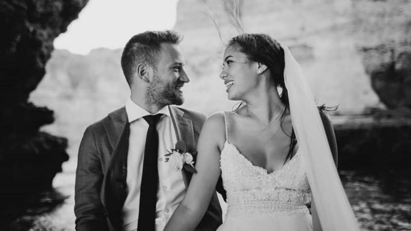 Γλυκά Νερά: Το φωτογραφικό άλμπουμ του παραμυθένιου γάμου της Καρολάιν και του Μπάμπη στην Πορτογαλία