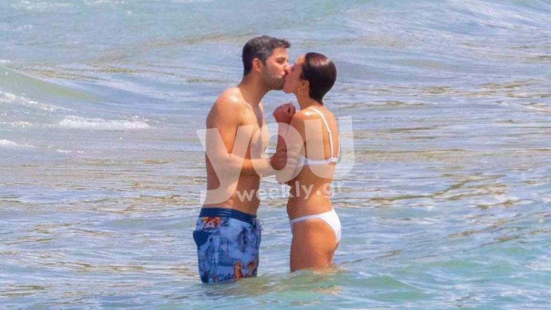 Κάτια Ταραμπάνκο: Αποκλειστικές φωτογραφίες από τα καυτά φιλιά στην παραλία με τον σύντροφό της, Κώστα Χωρινό