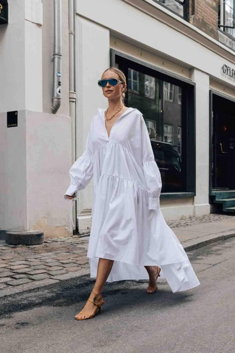 λευκό φαρδύ φόρεμα