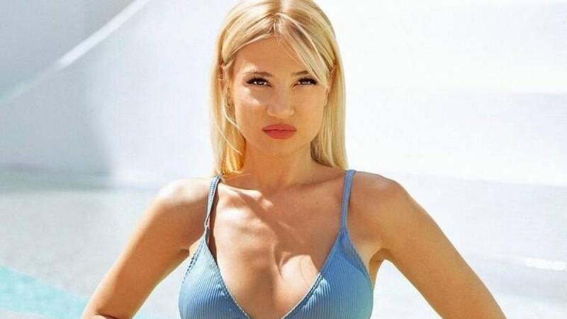 Φαίη Σκορδά: Πόζαρε με αποκαλυπτικό μπικίνι και «τρέλανε» το instagram