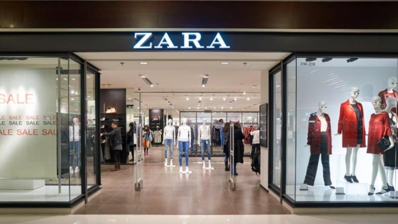 Zara: «Παραλήρημα» με τις εκπτώσεις - 3 floral φορέματα κάτω των 20 ευρώ
