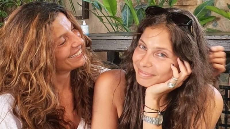 Πόπη Τσαπανίδου: Έχει «λιώσει» με τον εγγονό της - Κοιμούνται αγκαλιά και η κόρη της τους απαθανατίζει