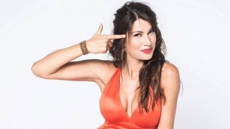 Κλέλια Ρένεση: 6+1 διάσημες Ελληνίδες που την στήριξαν δημόσια μετά την ανάρτηση της