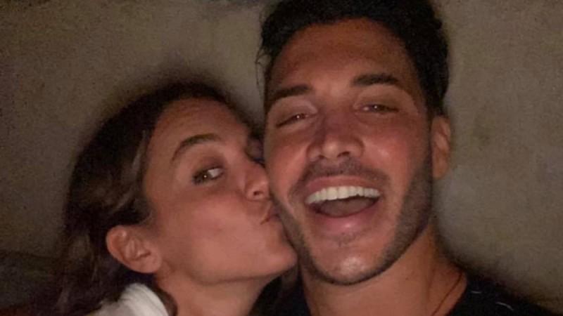 Μαζί απόλαυσαν την πανσέληνο ο Γιώργος Ασημακόπουλος και η Καρολίνα Καλύβα