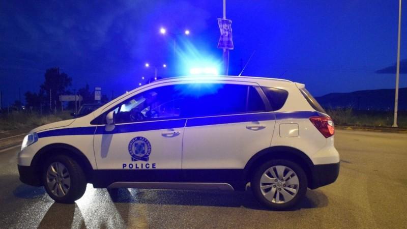 Βομβιστική επίθεση σε εταιρεία στη Βάρη - Τραυματίας ένας αστυνομικός