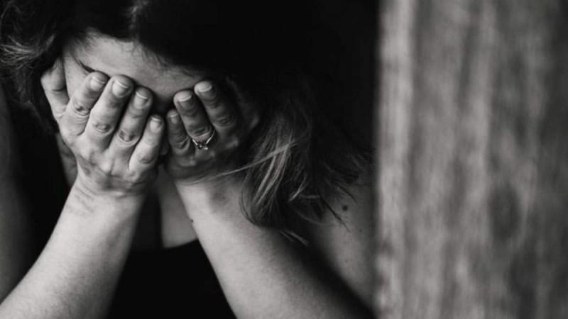 Σκόπελος: Την ξυλοκόπησε επειδή δεν του είπε καλημέρα