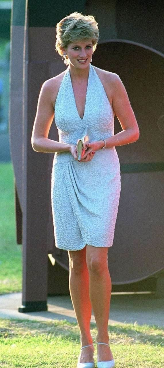 Νταϊάνα γαλάζιο φόρεμα