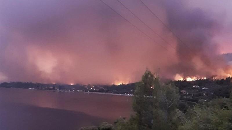 Δραματικές στιγμές στην Εύβοια από την φωτιά