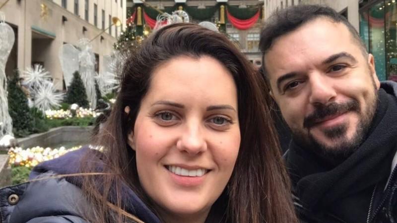Με μαγιό η σύζυγος του Τριαντάφυλλου - Το βίντεο που δημοσίευσε ο τραγουδιστής