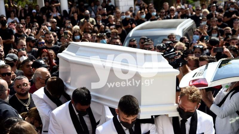 Κηδεία Mad Clip: Σπάνιο βίντεο με ανοιχτό το φέρετρο